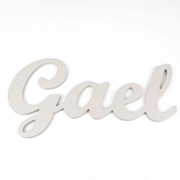 Nombre de Gael en madera para colgar en la pared pintado en gris